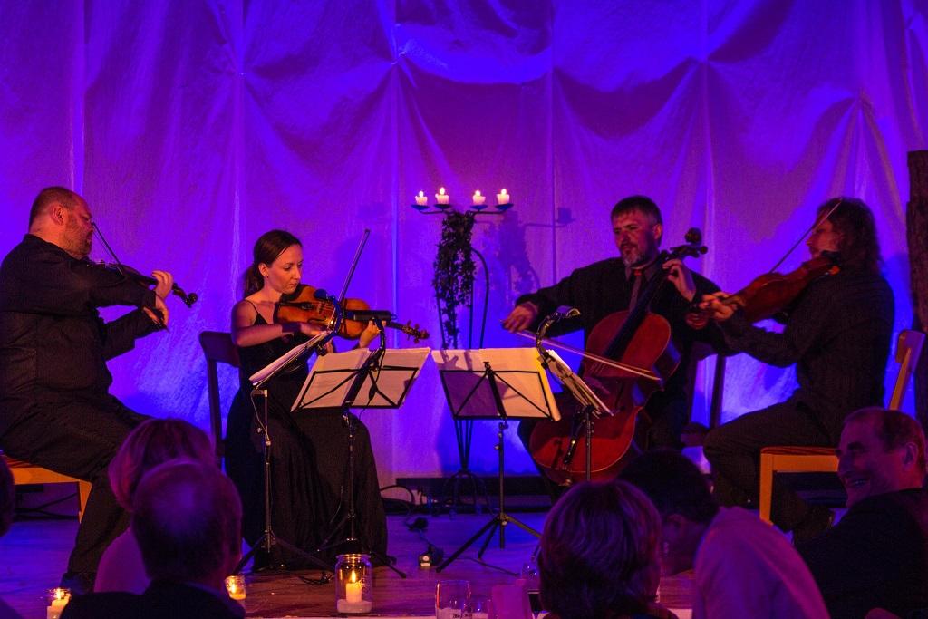 Schweinsbraten-Konzert mit Szymanowski Quartett