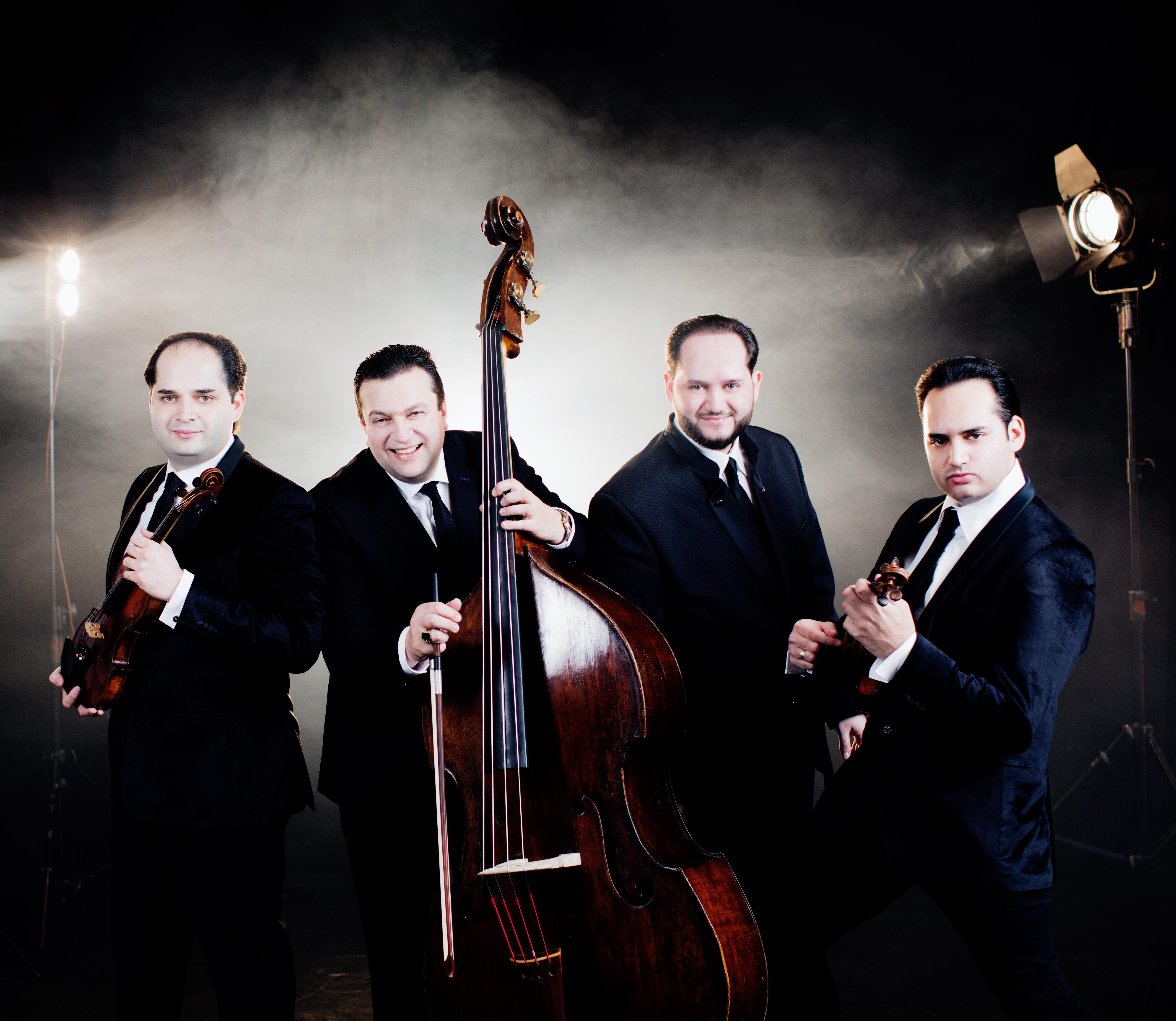 <strong>Janoska Ensemble</strong>